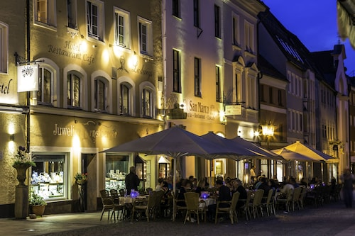 . Hotel & Restaurant Ludwigs