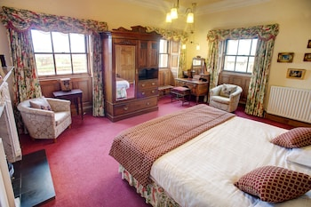 Double or Twin Room, River View (Principal)