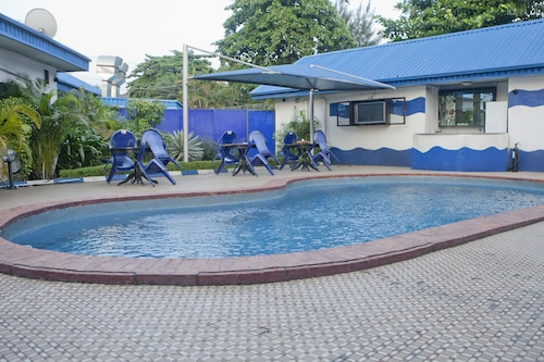 Atlantic Hotel, Mushin