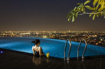 Hotel Ciputra World Surabaya - Rooftop Pool  - #0