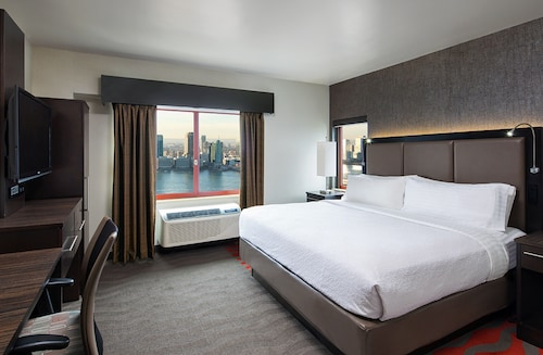 . Holiday Inn Manhattan-Financial District