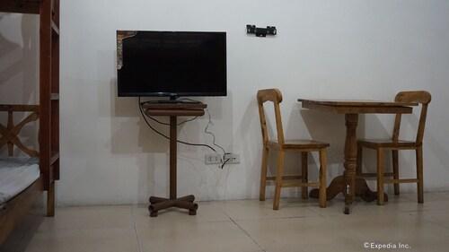 Rooms 498, Mandaluyong