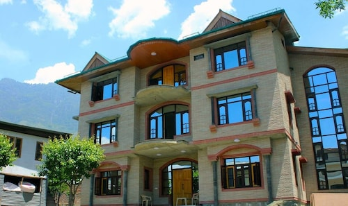 Sheesha Residency, Srinagar