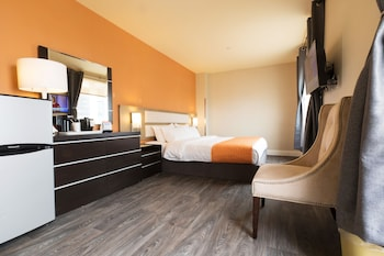 Deluxe Studio Suite, 1 King Bed, Non Smoking