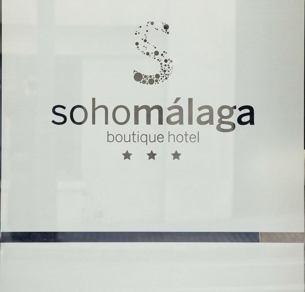 https://i.travelapi.com/hotels/10000000/9070000/9067900/9067872/1dde927f_z.jpg