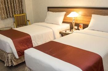 Dcircle Hotel Manila Room