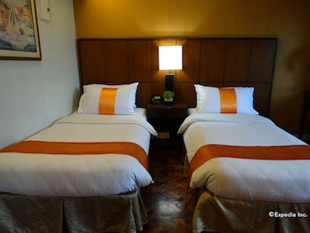 Corporate Inn Hotel Manila Room