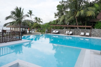 Palm Beach Resort Batangas Infinity Pool