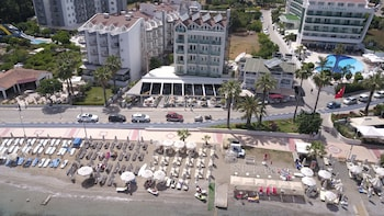 B&B Yüzbaşı Beach Hotel - Aerial View  - #0