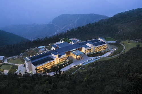 . JW Marriott Mussoorie Walnut Grove Resort & Spa