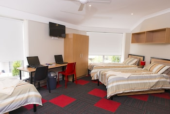 Bed in 3-Bed Male Dormitory with Shared bathroom