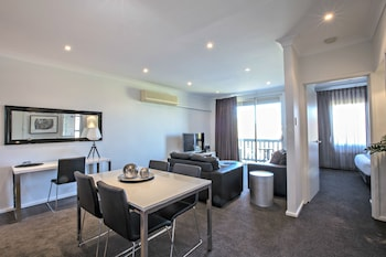 Adelaide Dresscircle Apartment..