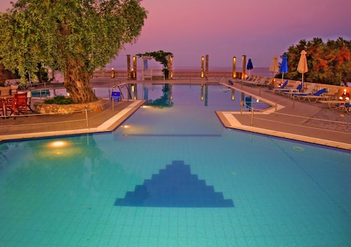 __{offers.Best_flights}__ Maranton Beach Hotel