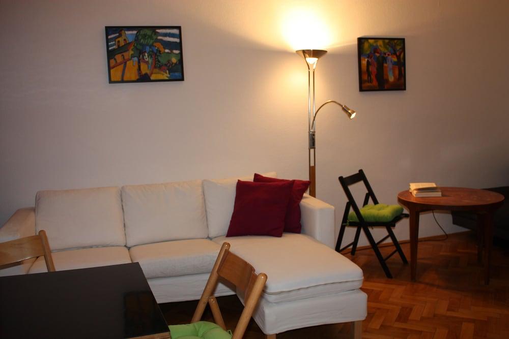 GoVienna Homelike City Apartment