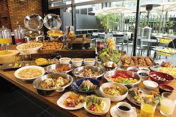 HOTEL GRACERY SHINJUKU Breakfast Area