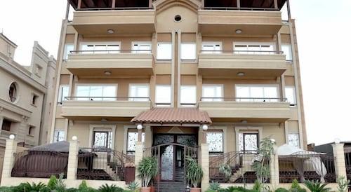 Cairo plaza Guest House, Unorganized in Al Jizah