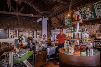 Atlantis Dive Resort Dumaguete Bar