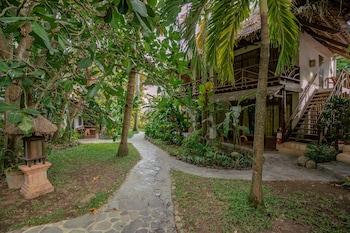 Atlantis Dive Resort Dumaguete Garden