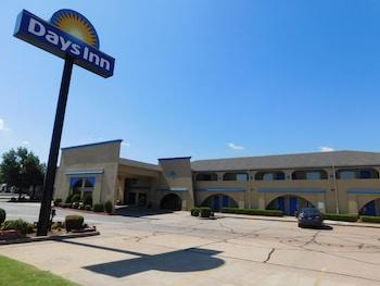 Days Inn by Wyndham Oklahoma City NW Expressway photo