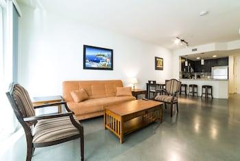 Ginosi Wilshire Apartel