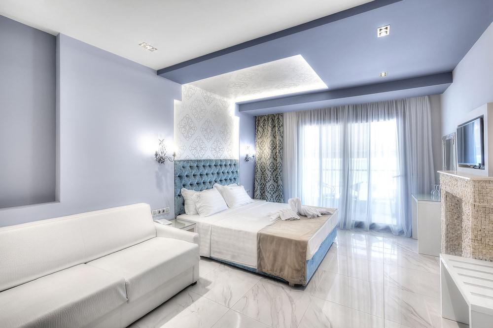 https://i.travelapi.com/hotels/10000000/9140000/9130800/9130770/ae3c2804_z.jpg