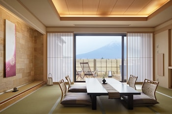 Japanese-Style Room with Open Air Bath, Mountain View 60㎡