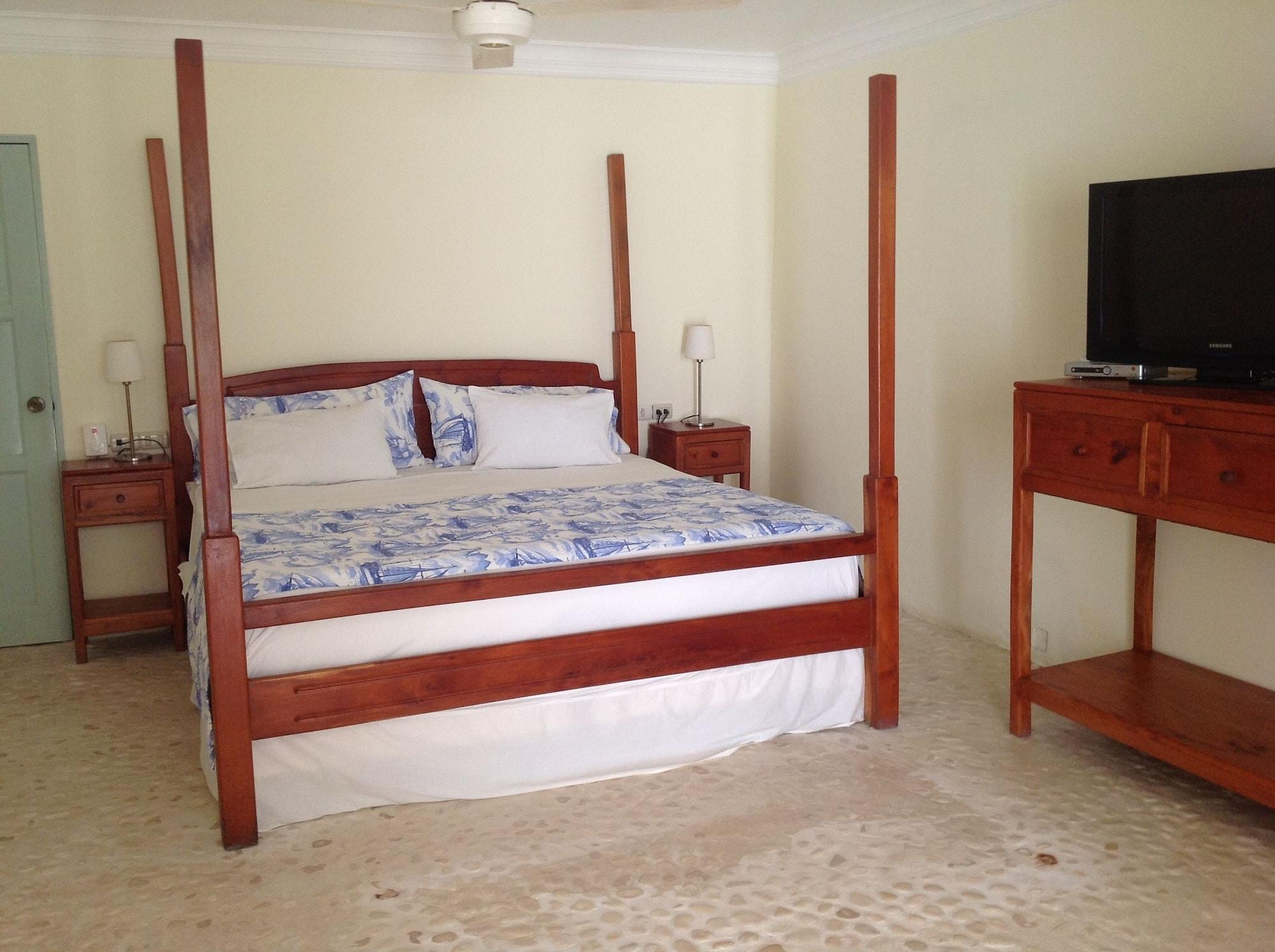 Hotel Piratas del Caribe, Paraiso