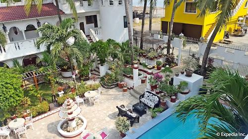 White Castle Resort & Hotel, Lian