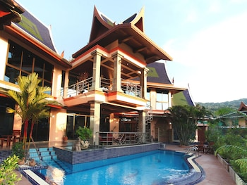 Four Bedroom Thai Style Luxury Villa with Private Pool