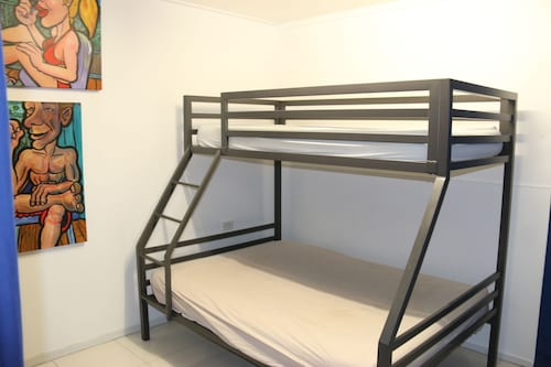 Waterfront Backpackers - Hostel, Cairns  - City