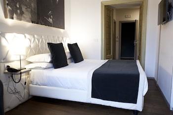 Deluxe Suite, Terrace, City View