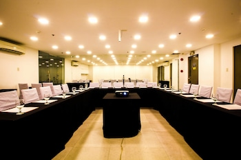 Jade Hotel and Suites Makati Meeting Facility