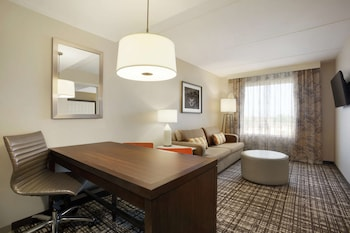 2 Room Suite, 2 Queen Beds, Mobility/Hearing Accessible, Roll-in Shower