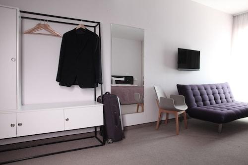 B Hotels, Novi Beograd