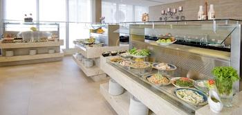 Holiday Inn Abu Dhabi Downtown