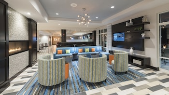Indianapolis Vacations - Holiday Inn Indianapolis Airport - Property Image 1