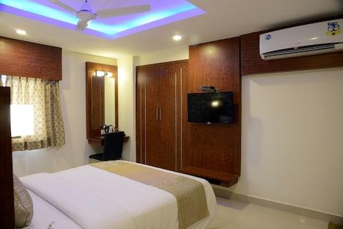De Castle Inn, Thiruvallur