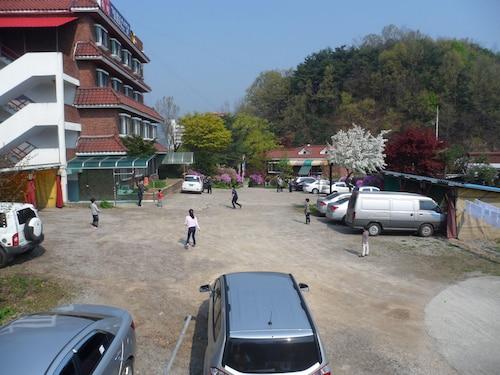 Gyerim Sanjang Motel, Chuncheon