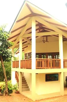 Asia Grand View Hotel Palawan Exterior