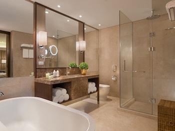 Ascott BGC Bathroom