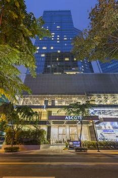 Ascott BGC Front of Property - Evening/Night