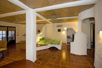 Atlantis Puerto Galera Guestroom
