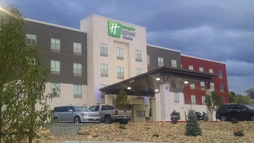 __{offers.Best_flights}__ Holiday Inn Express & Suites Price