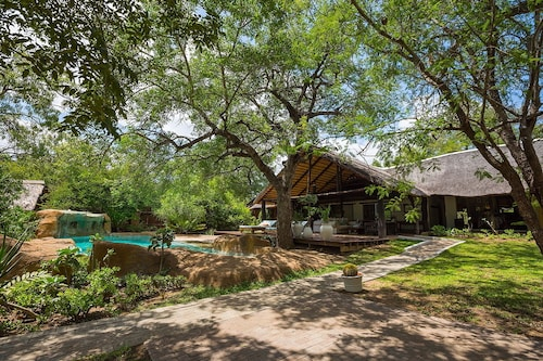 Chapungu Luxury Tented Camp, Mopani
