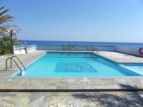 . Cypriana Apartments
