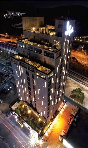 __{offers.Best_flights}__ Lee Design Hotel