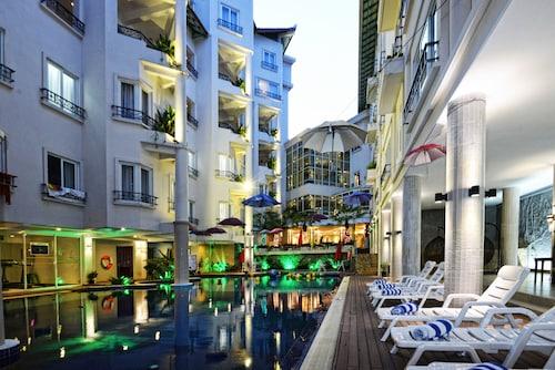 . Holiday Villa Nataya Sihanoukville