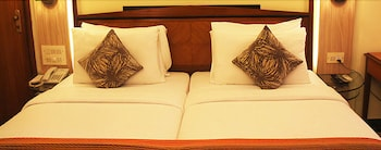 Hotel - Hiltop Hotel