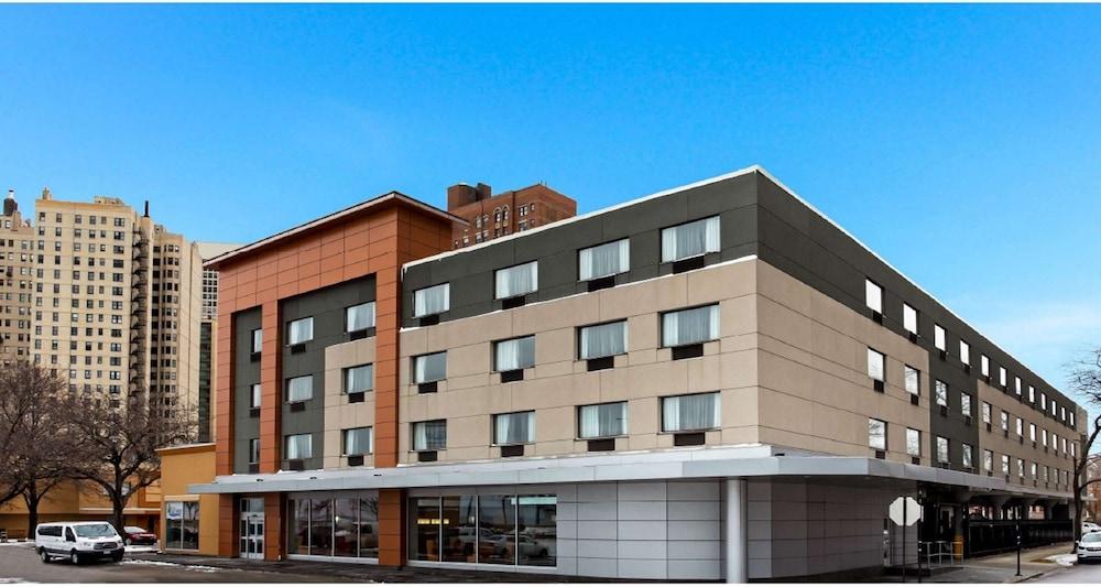 Hotel La Quinta by Wyndham Chicago - Lake Shore