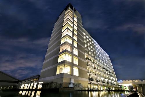 . The Rich Jogja Hotel